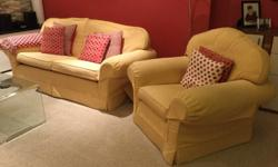Multiyork settee and 2 matching armchairs, in very good