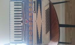Crucialli Accordion 80 bass very good condition. I