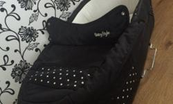 Babystyle polkadot carrycot part of pram only Please