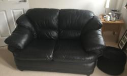 Black leather settee 3 and 2 seater settee in good
