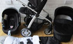 Mamas and Papas Sola travel system in excellent