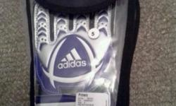 Boys youth size 5 adidas goal keeper gloves brand new.