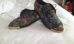 Stunning never been worn new look floral brogue in