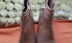 Brown leather ankle boots size 8 happy to answer any