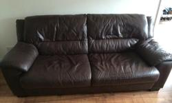 Hi, I'm selling a 2 and 3 seater sofa set, they are