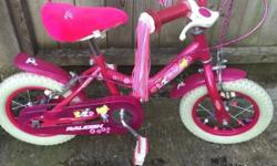 Raleigh Molly bike hardly used comes with separate