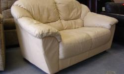 Cream Lether 2 Seater Sofa Settee Nice comfy 2 seater