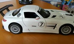 1/24 scale mercedes benz SLK AMG Livery die cast model.