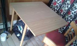 i am selling this small double folding leaf dining