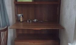 Approx 6'x3' Drinks cabinet, it has got 2 shelves, a