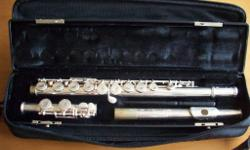 Gemeinhardt flute complete with case and bag. ideal for