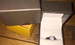 Beautiful Goldsmiths Silver engagement style 2 carat