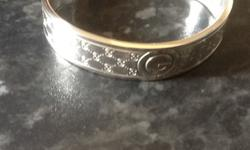 Gucci 925 sterling silver bracelet as new comes with