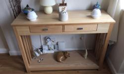 Hall console table very good condition no marks or