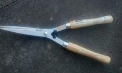 Homebase garden hand shears. Hardly used. Reason for