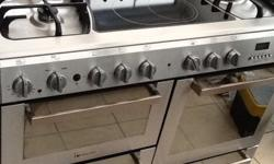 Hotpoin range oven 100cm in fantastic condition 5 gas