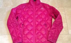 Ladies quilted North Face jacket in hot pink. Size