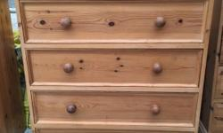 Very good quality pine chest of drawers It has been