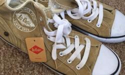 Unworn lee cooper baseball boots. Similar to converse.