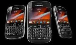 This is the brand new Blackberry Bold 9900 Unlocked. Im