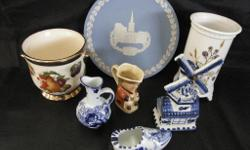 MIXED LOT OF COLLECTABLES, WEDGEWOO BLUE AND WHITE,