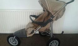 lovely pushchair/buggy very light to pusch ncludes fur
