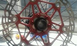 Mountain bike parts Two Hope floating rotors in red