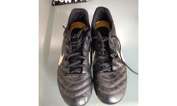 Nike tempo football boots size 5.5 Been used but still