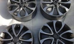 For sale Nissan Juke 17 inch alloy wheels (condition of