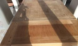 Solid oak table with two removable leaves 1.8 m to 2.7