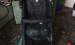 Obaby zezu in good condition comes with footmuff and