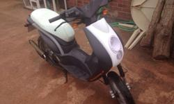 Peugeot ludix 50cc fresh 12 months MOT had a few new