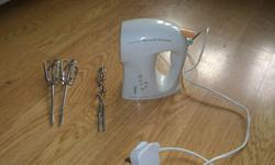 Hand mixer. 2 different types of beaters- the normal