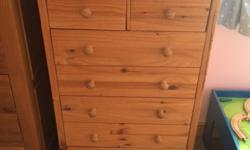 Pine chest of drawers with 5 large and two small