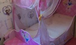 Very pretty princess carriage bed for sale only selling