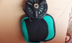Used fly reel like new very good condition with pouch