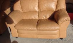 LOVELY GOOD QUALITY LEATHER TAN SUITE COMPRISING OF 3