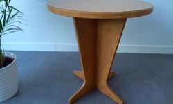 Round wood Table in great condition. Height- 63 cm