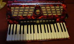 Royal Standard Montana 120 Germany,pearl red 5 treble