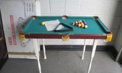SMALL BOXED BILLIARDS TABLE POOL TABLE SNOOKER TABLE