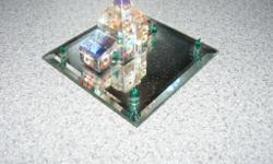 This This hadrian crystal house is 3x3inches square and