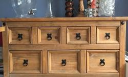 Built using sturdy solid pine, the Corona Pine Merchant