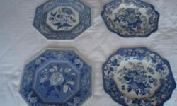 4 Spode Blue room plates. Perfect condition. 2 stands