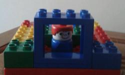 Square Duplo base, one character, one window and