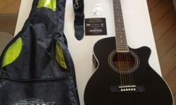 Tanglewood Electro Acoustic Guitar with tuner, capo,
