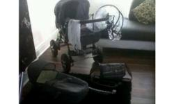 This beautiful pram/pushchair is lovely for either a