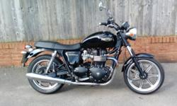Triumph Bonneville 2010 (60), tax mot, excellent