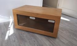 TV / console unit in oak veneer with glass shelf to