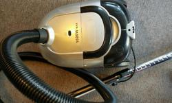 Pull along vacuum cleaner. 1600 watt. Light used