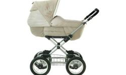 Stunning traditional pram. Has been only a small